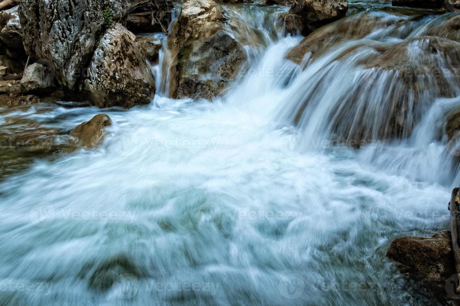 bergflod foto