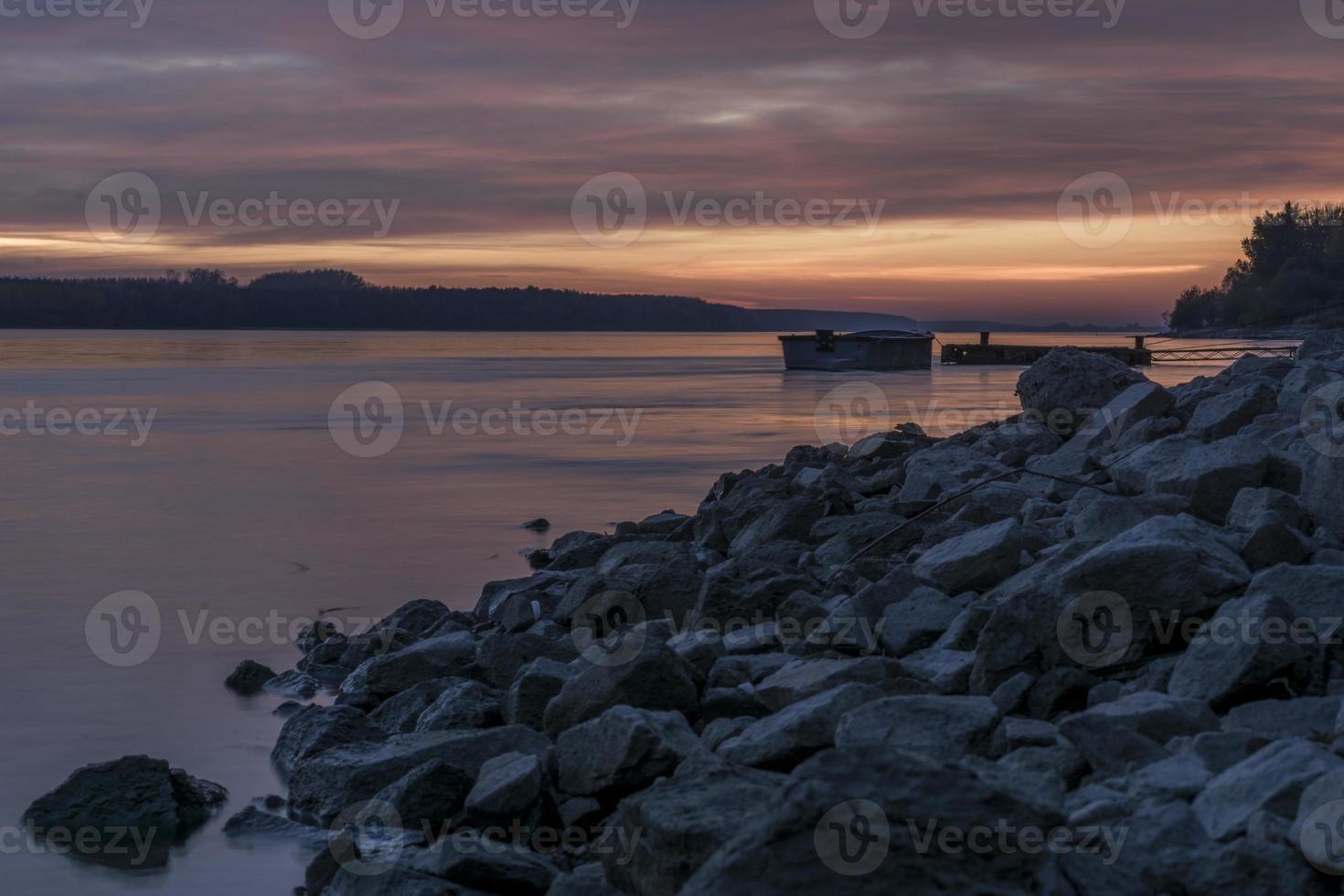 solnedgång på Donau foto