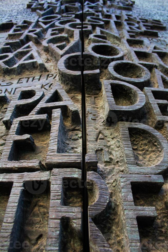 dörr till la sagrada familia - barcelona foto