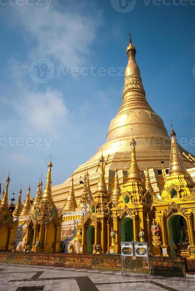 shwedagon-pagoden, yangon, myanmar foto