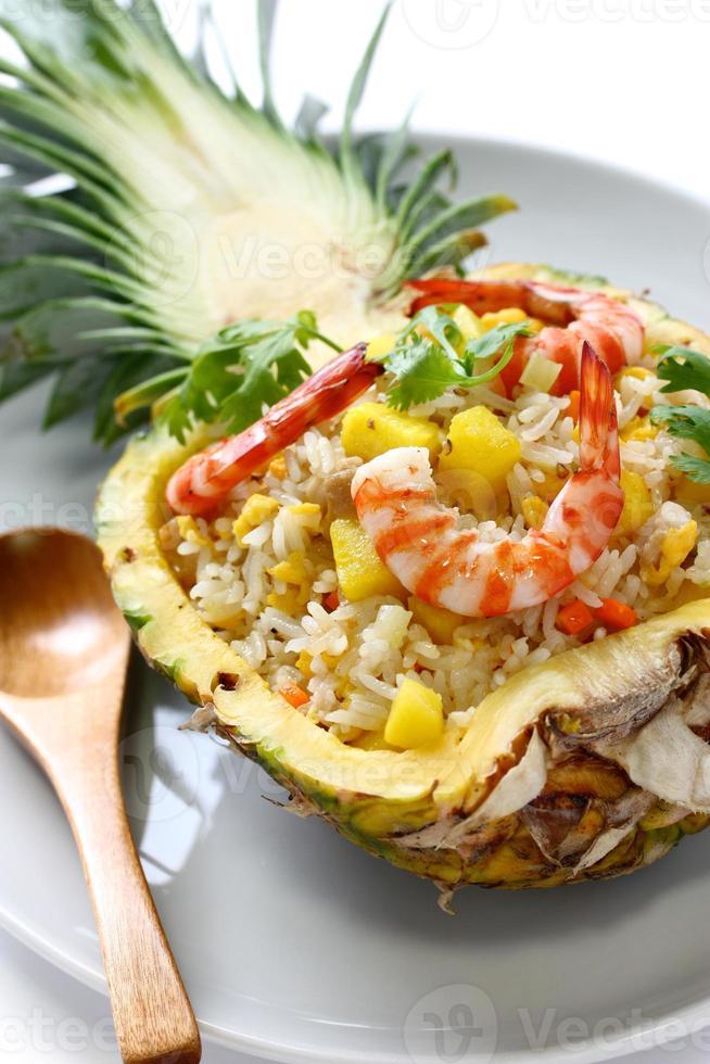 ananas stekt ris foto