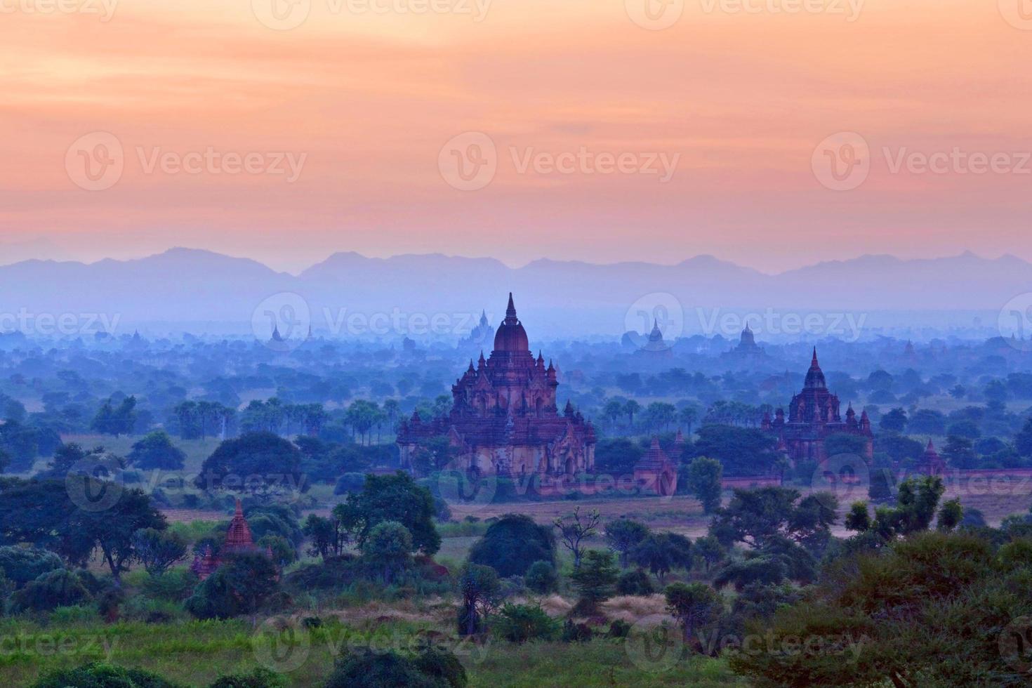 bagan arkeologisk zon, myanmar foto