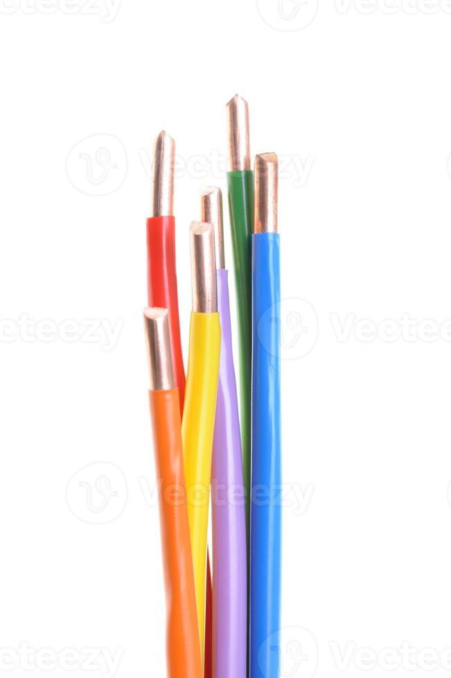 färgade elektriska kablar foto