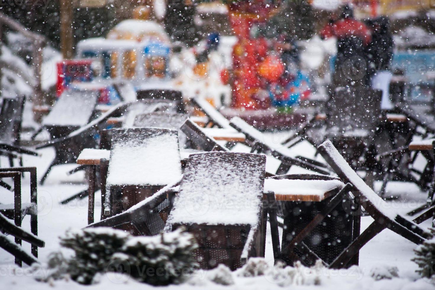 stängd restaurang under vintern foto