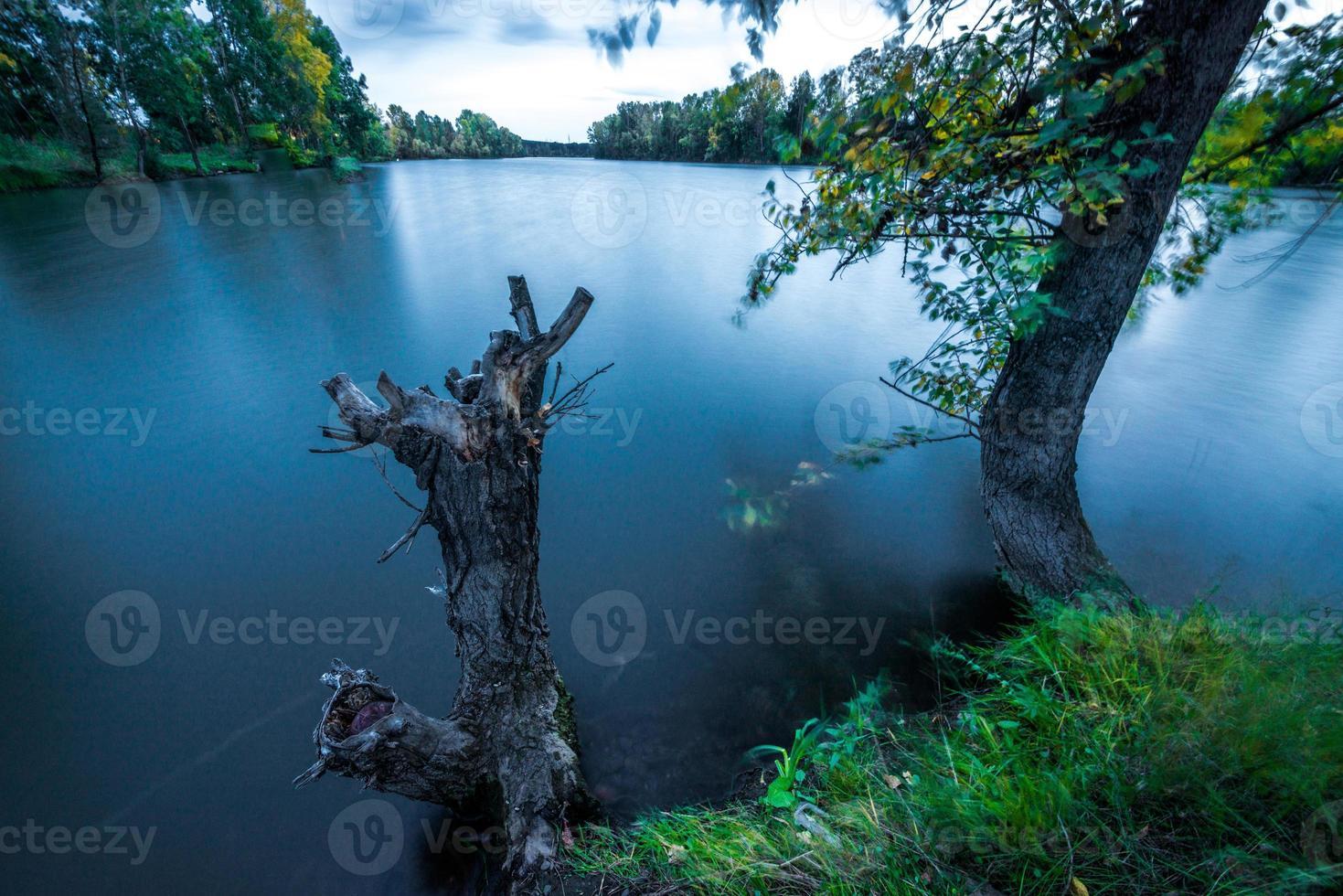 fredlig sjö foto