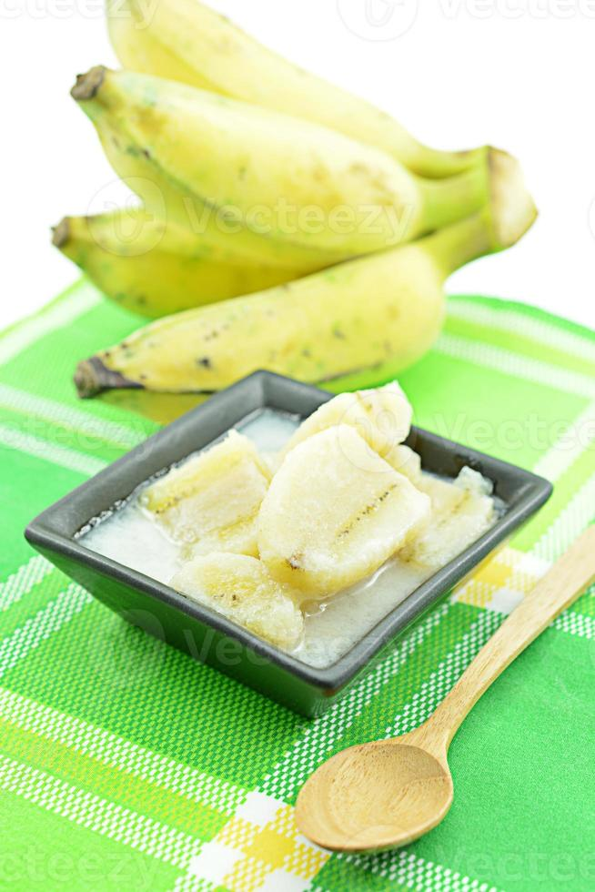 kluay buat chi eller sötad banan tillagad i kokosmjölk foto