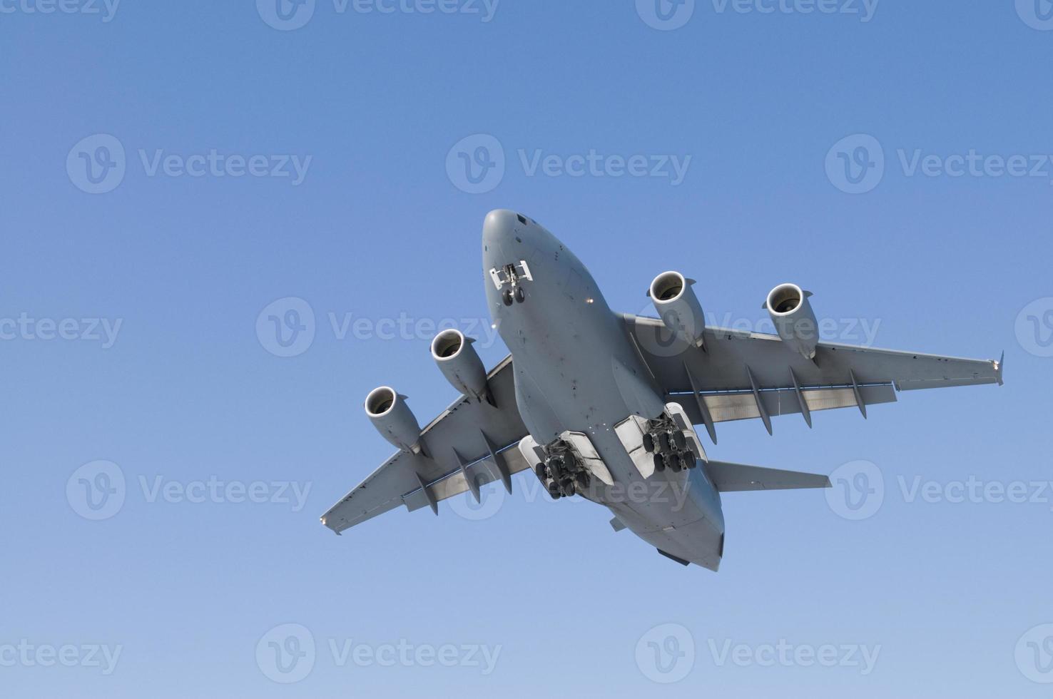 militär transportplan foto