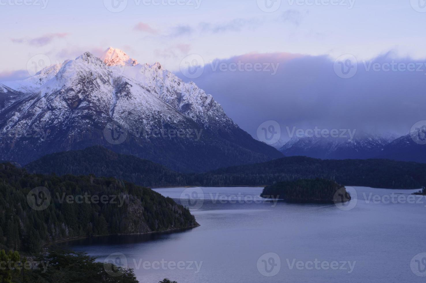 lake nahuel huapi foto
