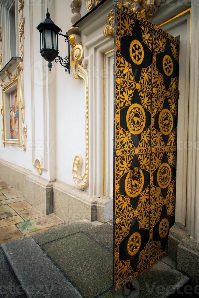gyllene dörr foto