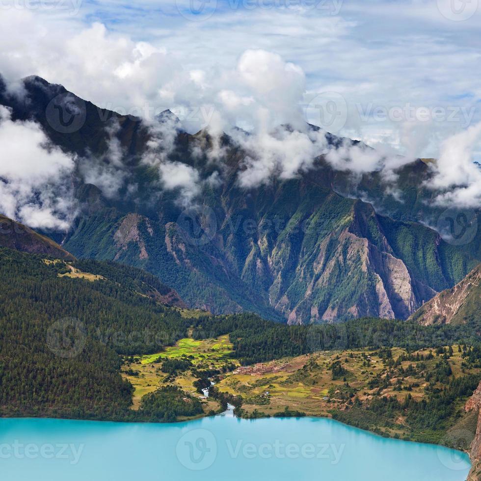 phoksundo sjö, nepal foto