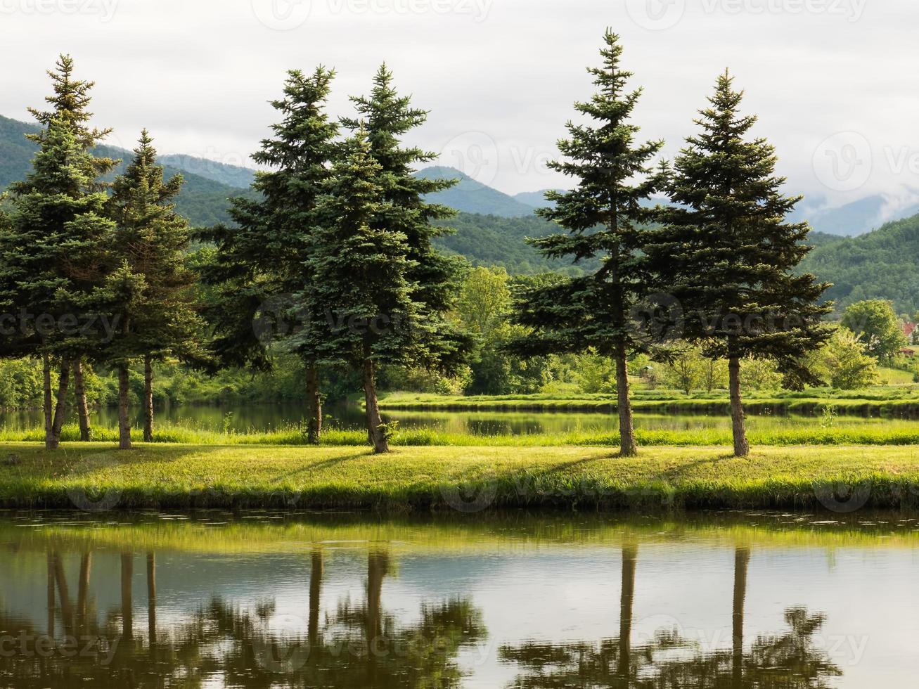 vacker sjö, landskape foto