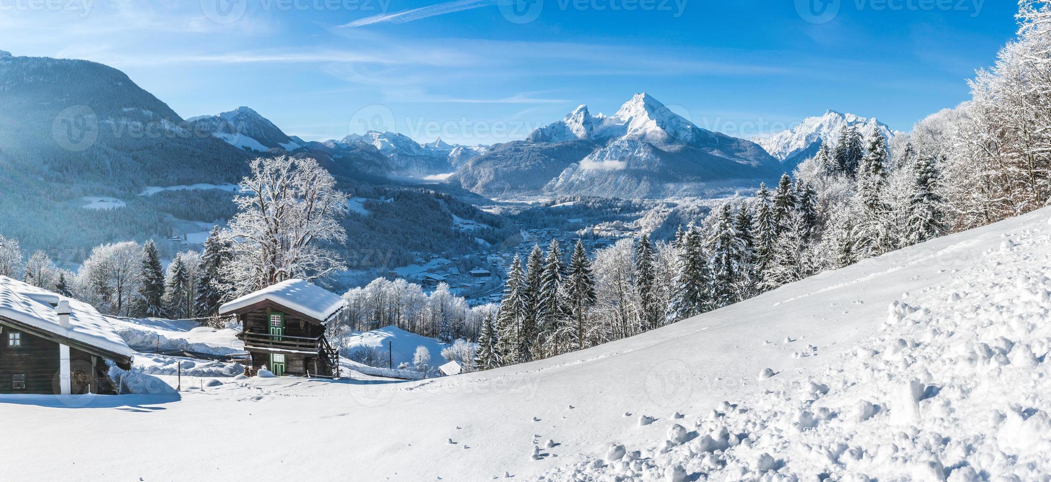 idylliskt landskap i de bayerska alperna, berchtesgaden, Tyskland foto