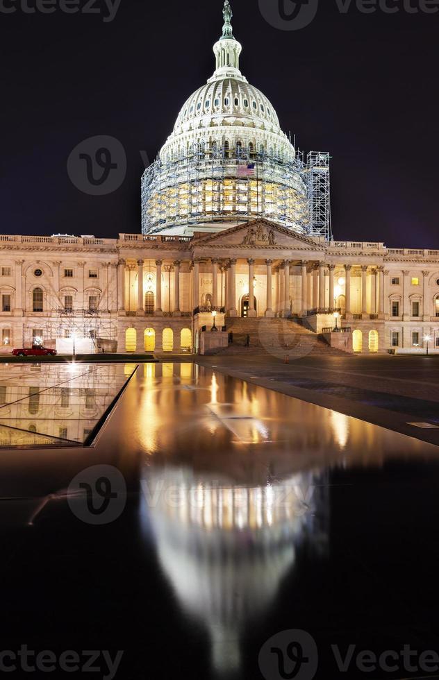 oss capitol norra sidan konstruktion natt washington DC reflektion foto
