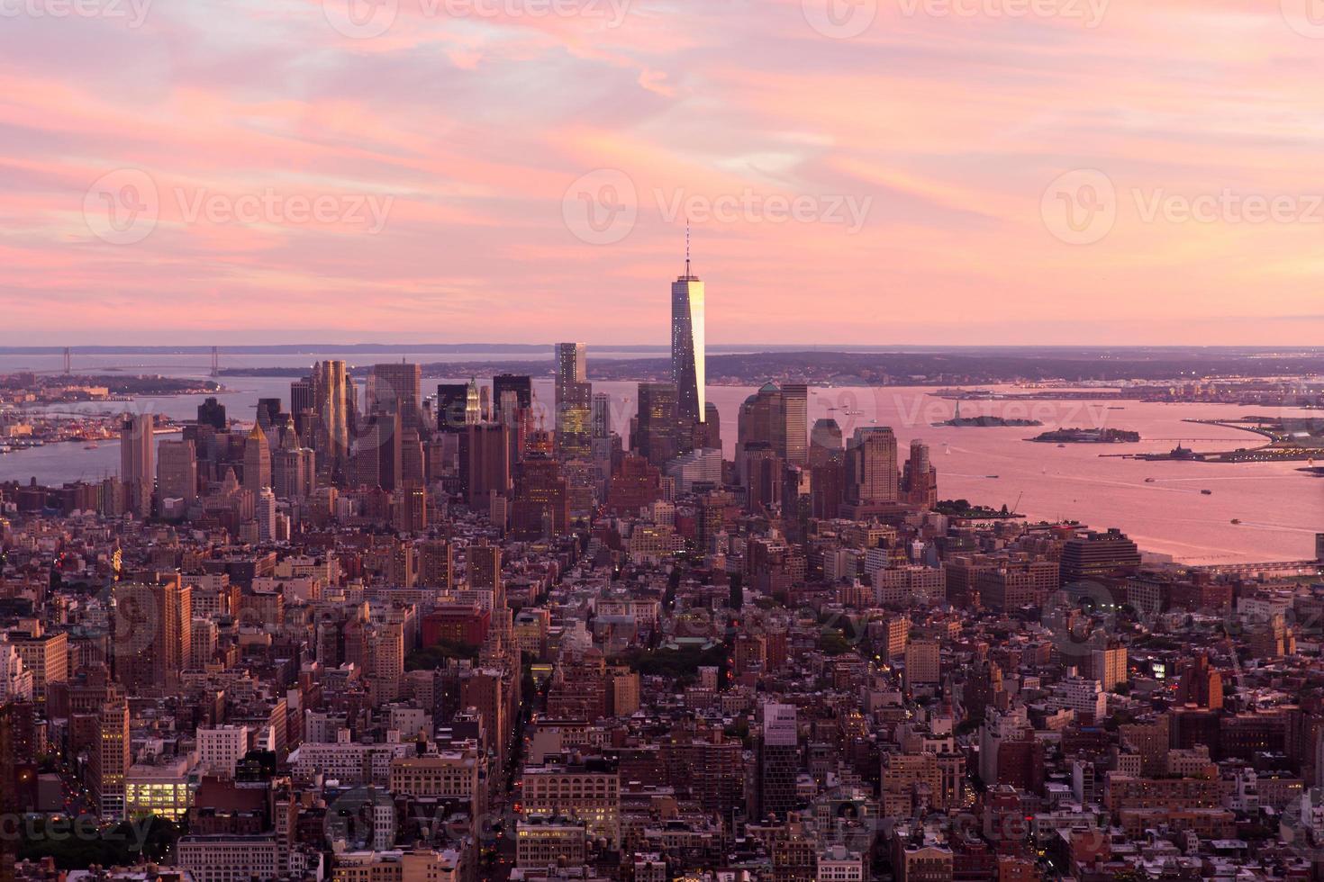 solnedgång över manhattan foto