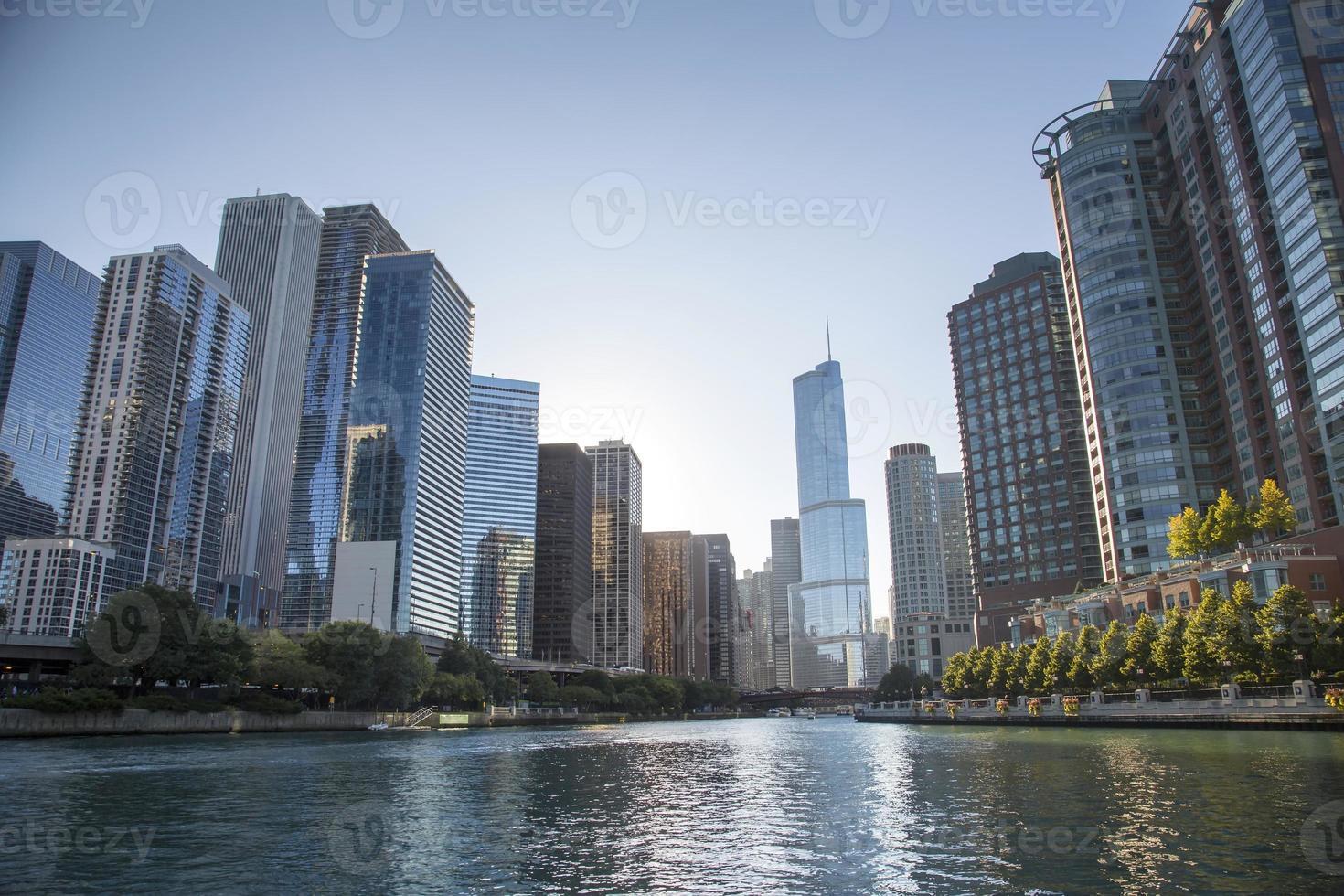 usa - illinois - chicago, chicago river skyline foto