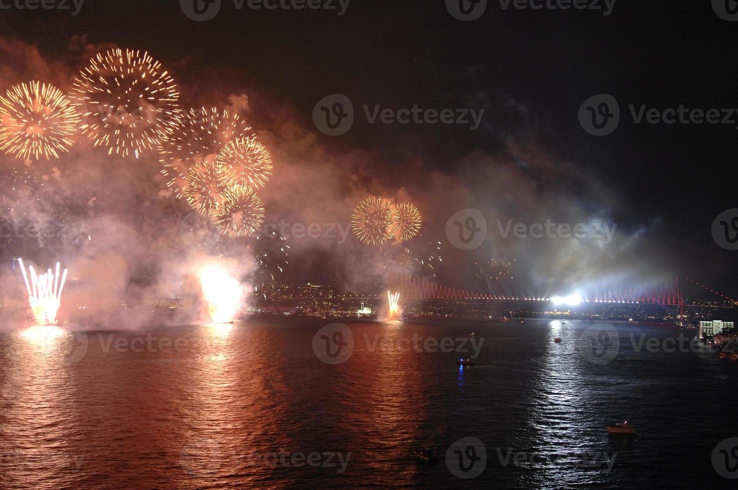 nya år, fyrverkerier, istanbul foto