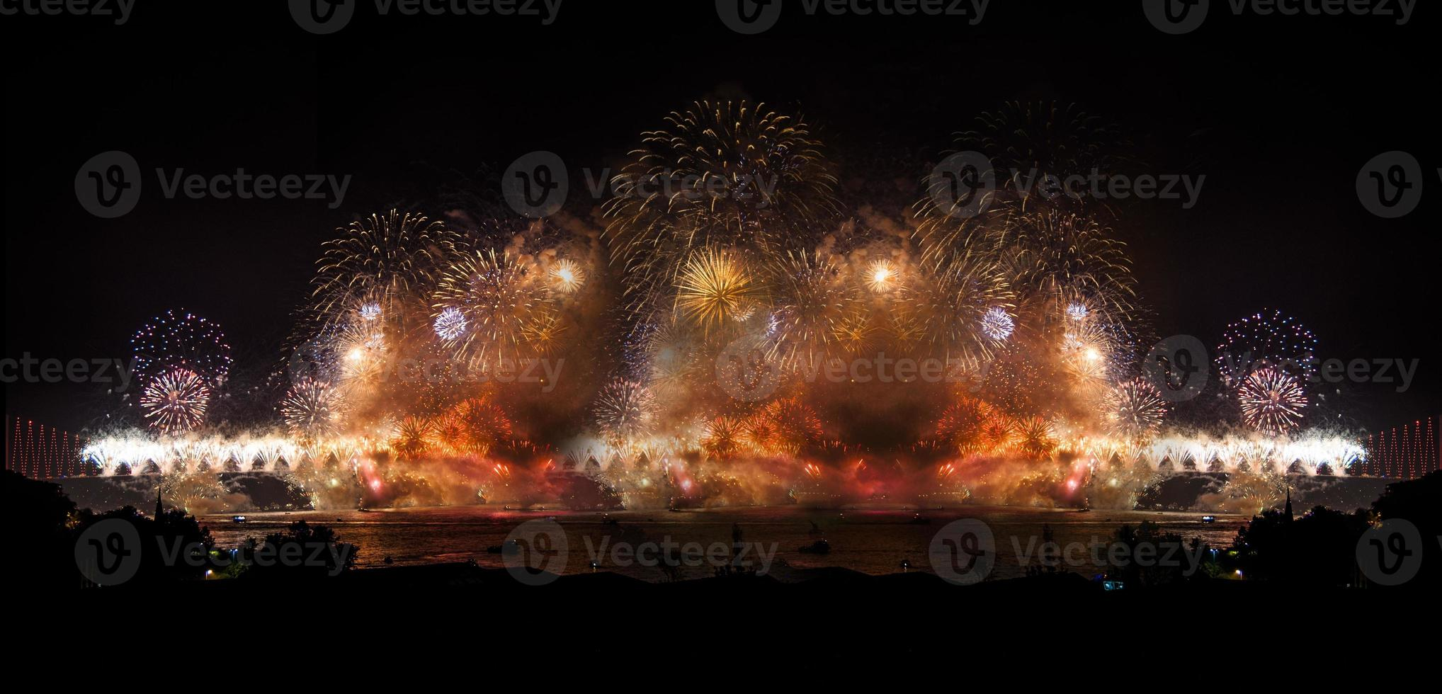 firandet av den turkiska republikens dag och bosphorus foto