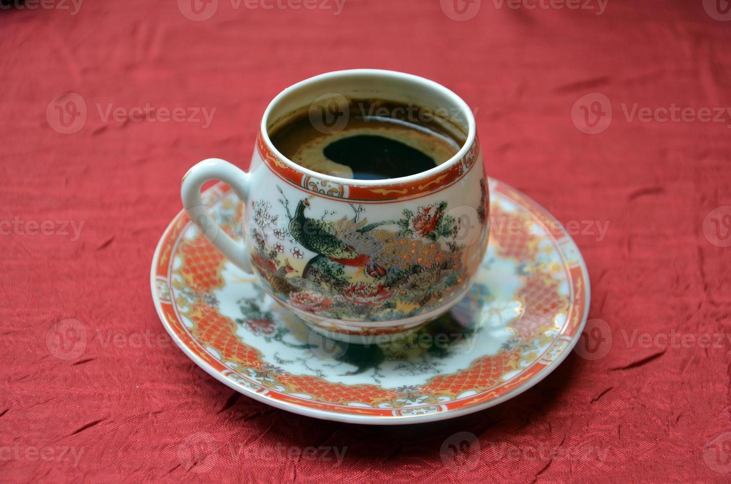 turkiskt kaffe i en chinessekruka foto