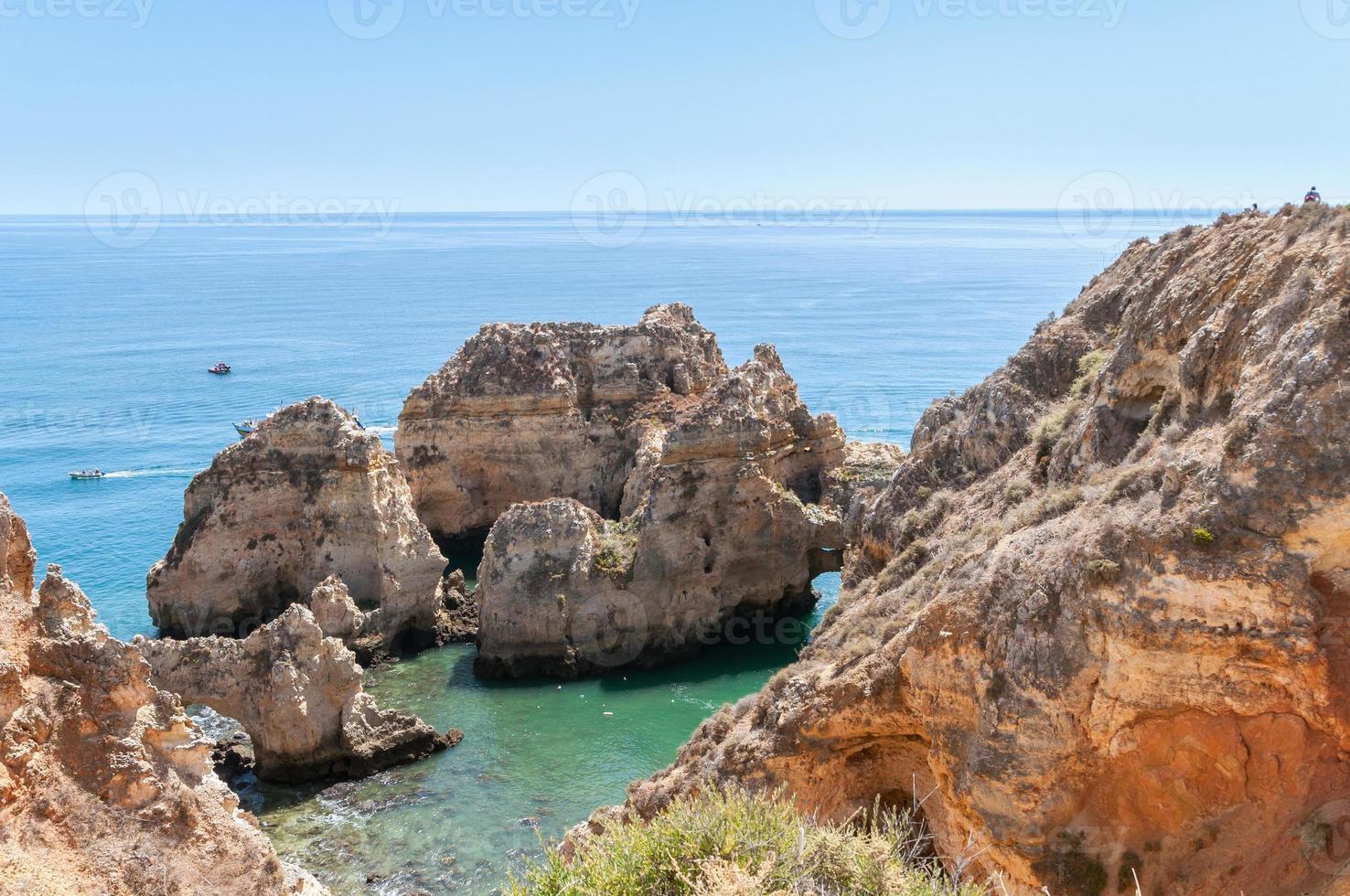 ponta da piedade, klippformationer nära lagos i Portugal foto