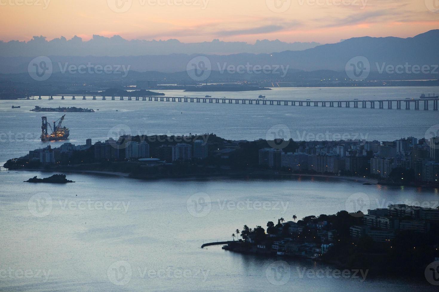 rio de janeiro sett från staden Niteroi foto