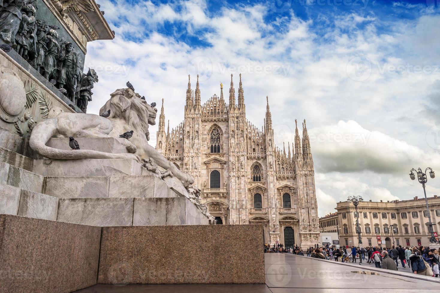 piazza del duomo från milan foto