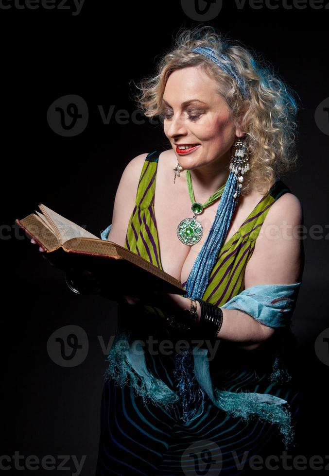 kvinnlig berättare (mogen) foto