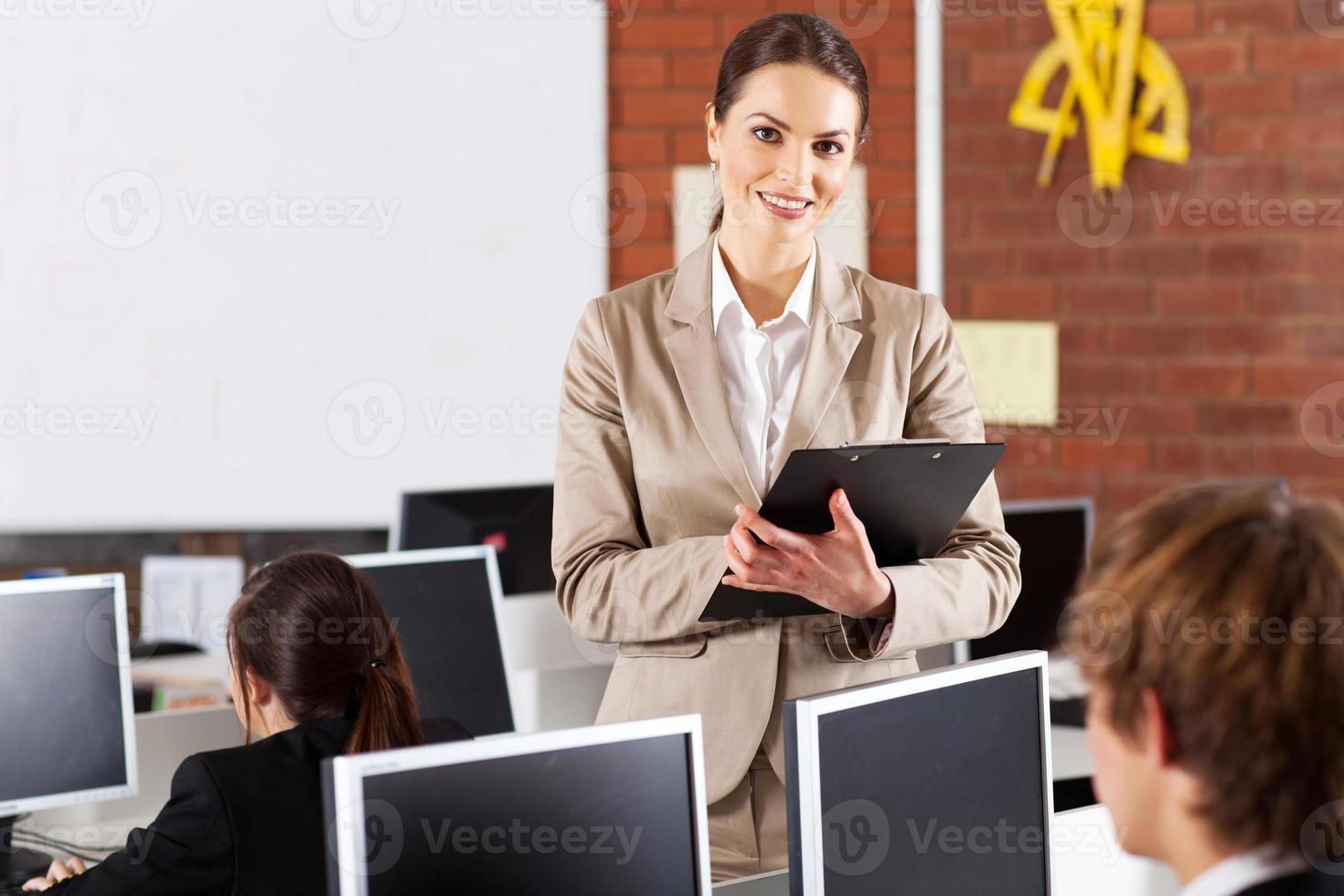 ganska kvinnlig gymnasielärare foto