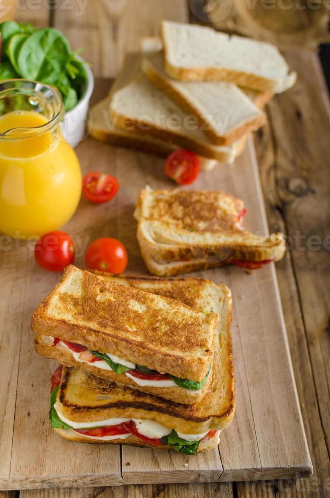 läcker italiensk smörgås foto