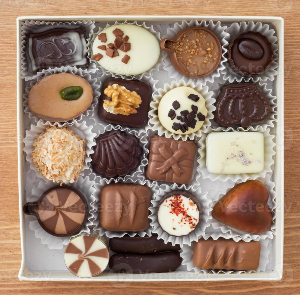 läckra chokladpraliner foto