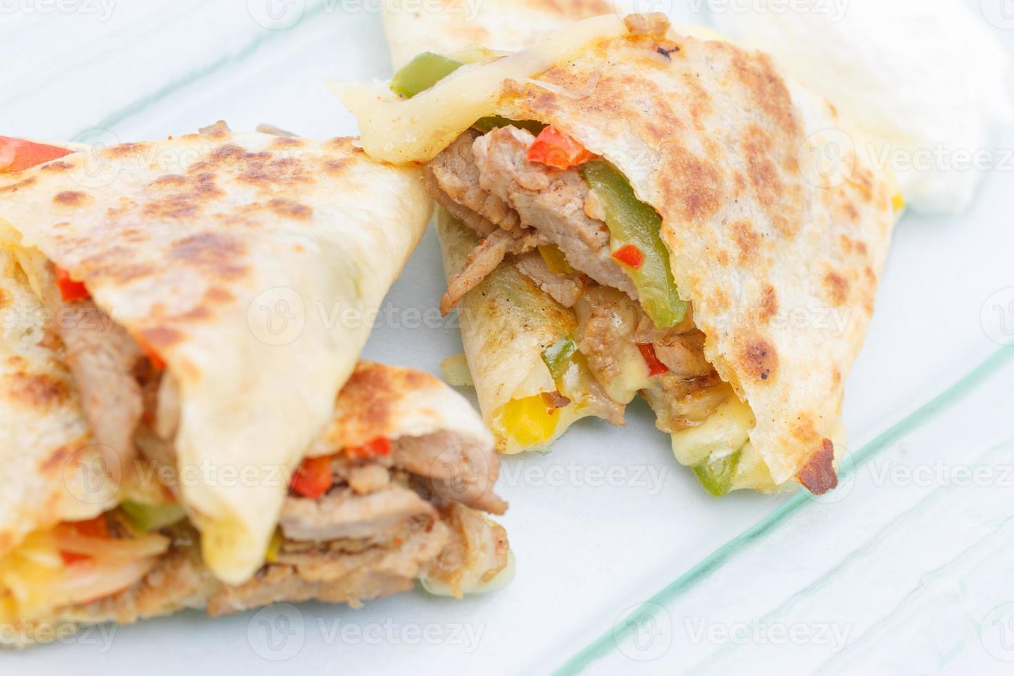 mexikansk quesadilla läcker internationell mat foto