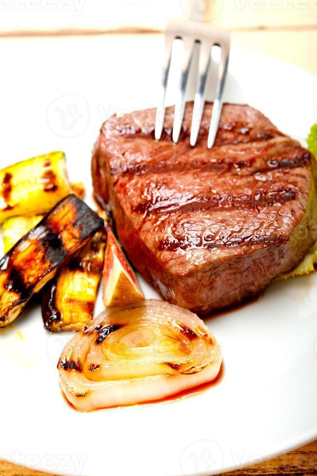 grillad nötköttfilmignon foto