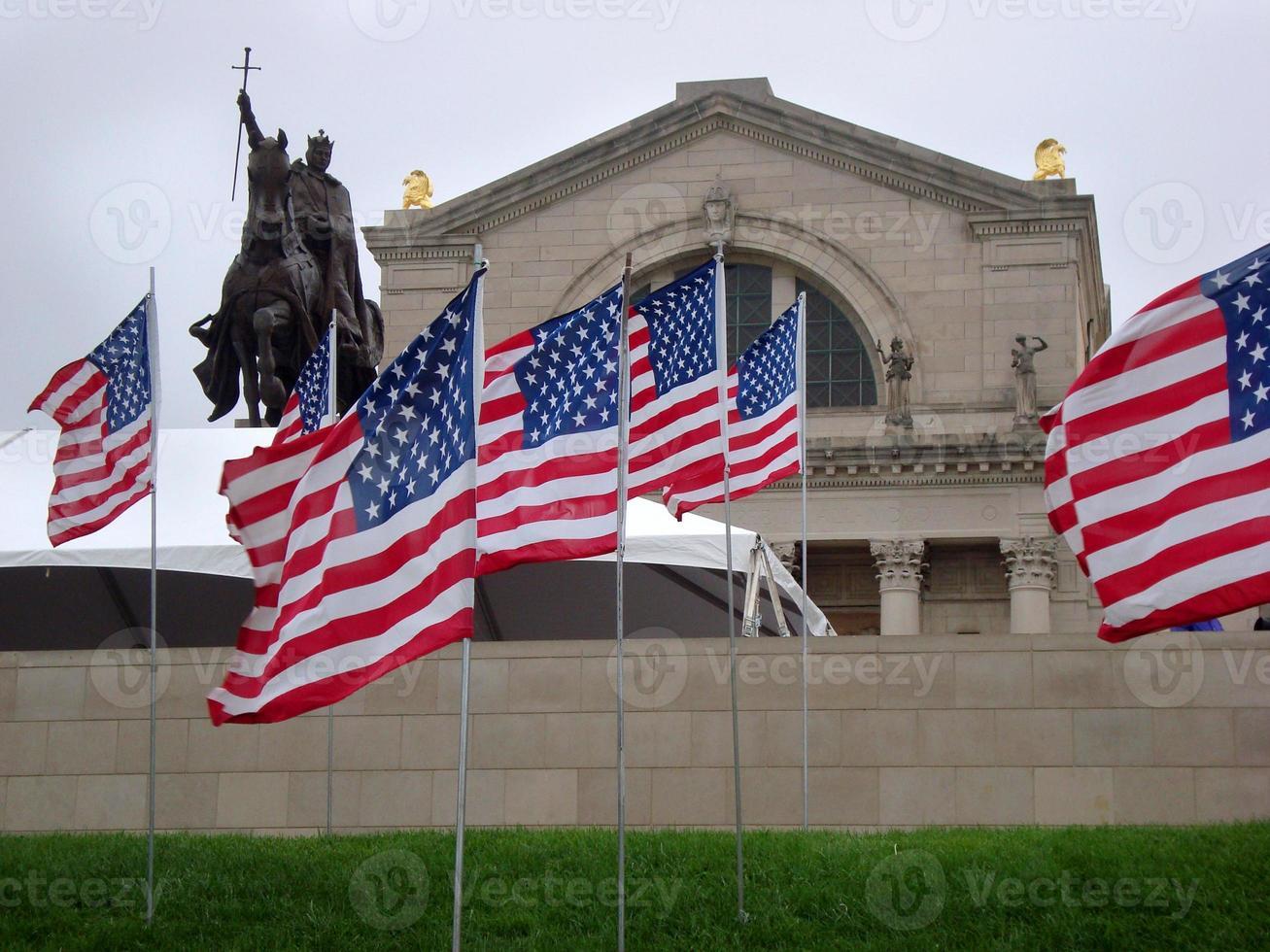 amerikanska flaggor i Saint Louis, attacker den 11 september foto