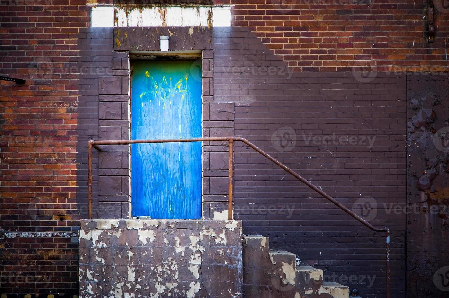 blå sidodörr foto