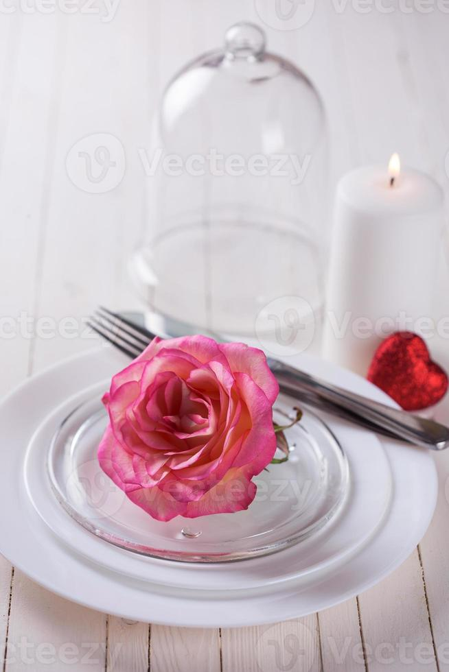 romantisk bordsinställning foto