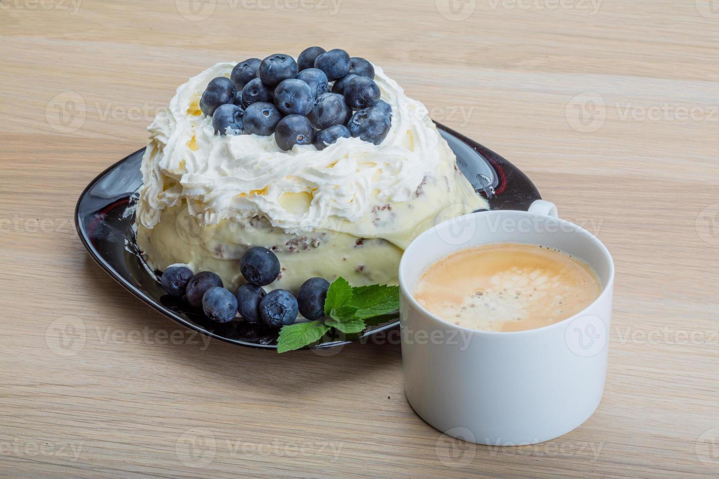 kaffe med blåbärstårta foto