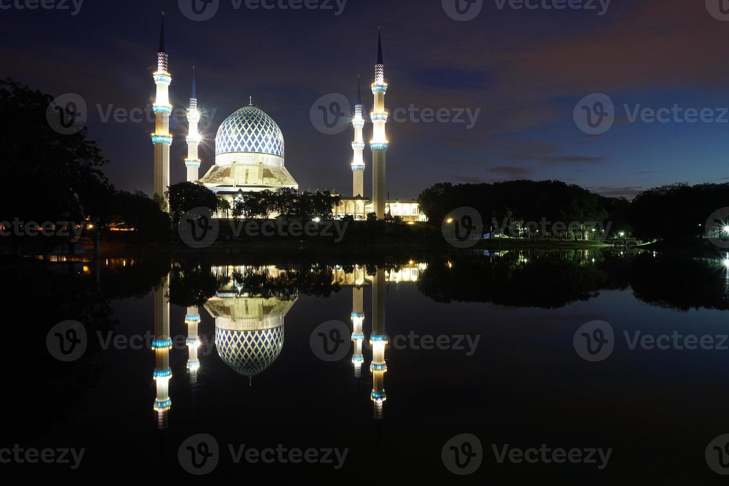 "sultan salahuddin abdul aziz shah-moskén - den ""blå moskén"" foto"