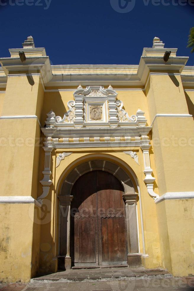 kyrka i Antigua, Guatemala foto