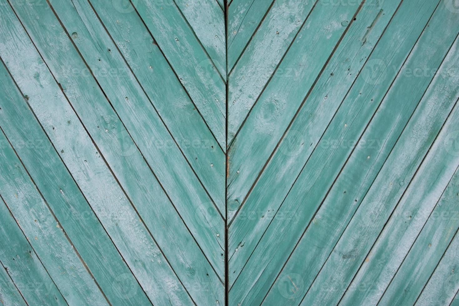 grön grunge trästruktur med diagonala ränder foto
