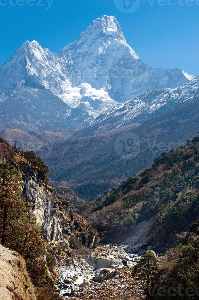 ama dablam-massivet, nepal himalaya foto