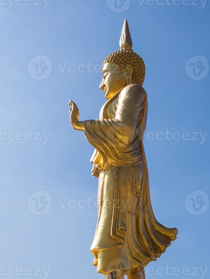 stående buddha, bangkok, thailand foto