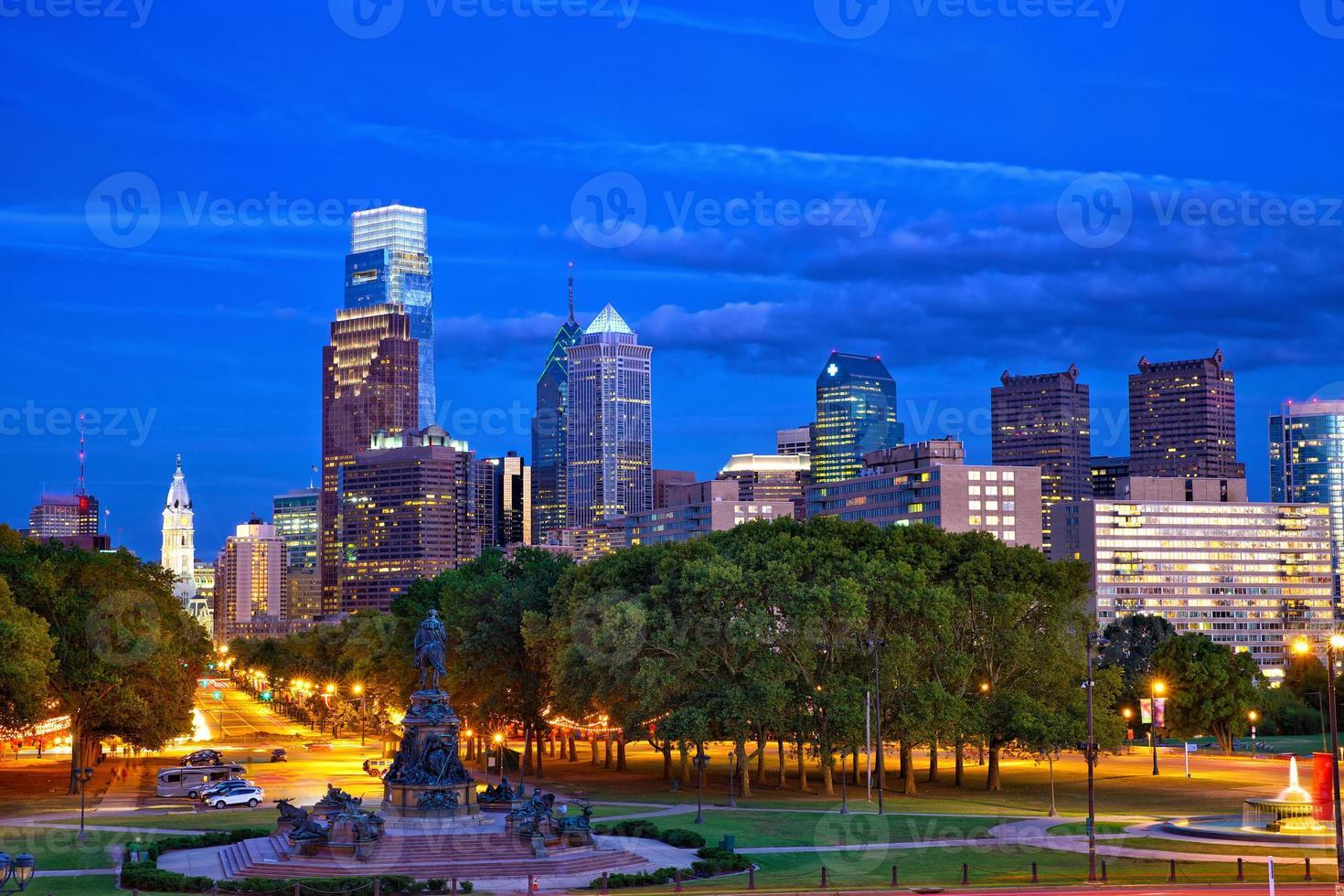 Philadelphia i skymningen foto