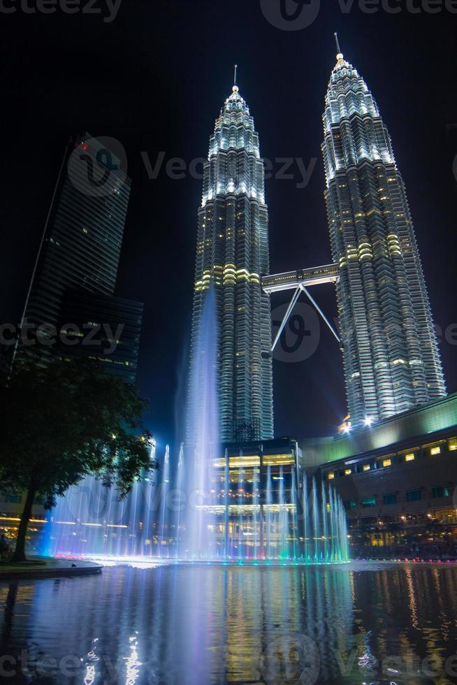 hjärtat i Kuala Lumpur City - Petronas tvillingtorn foto