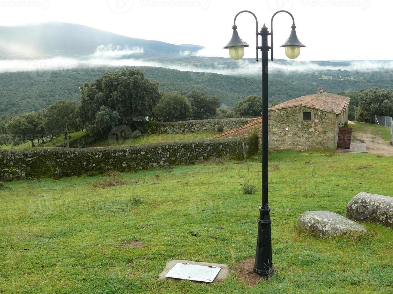 lantligt landskap i la iglesuela, spanien foto