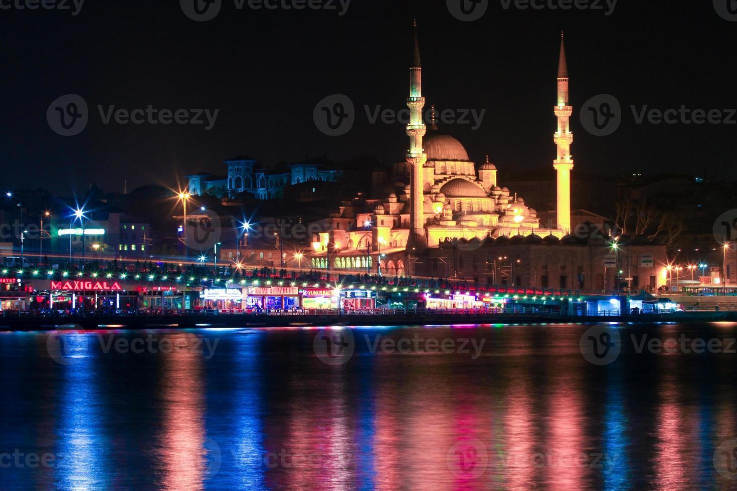 istanbul på natten foto