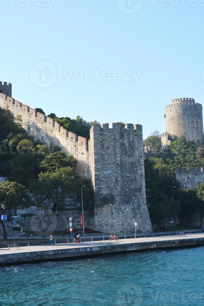rumelihisarı (även känd som rumenskt slott och roumeli hissarslott) foto