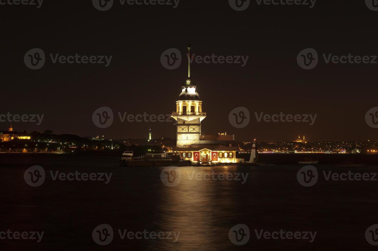 jungfrunens torn (turkiska: kiz kulesi), istanbul foto