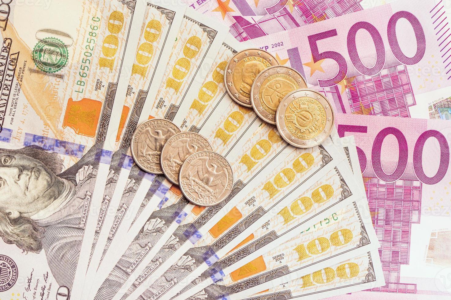 europeiska och amerikanska pengar. foto