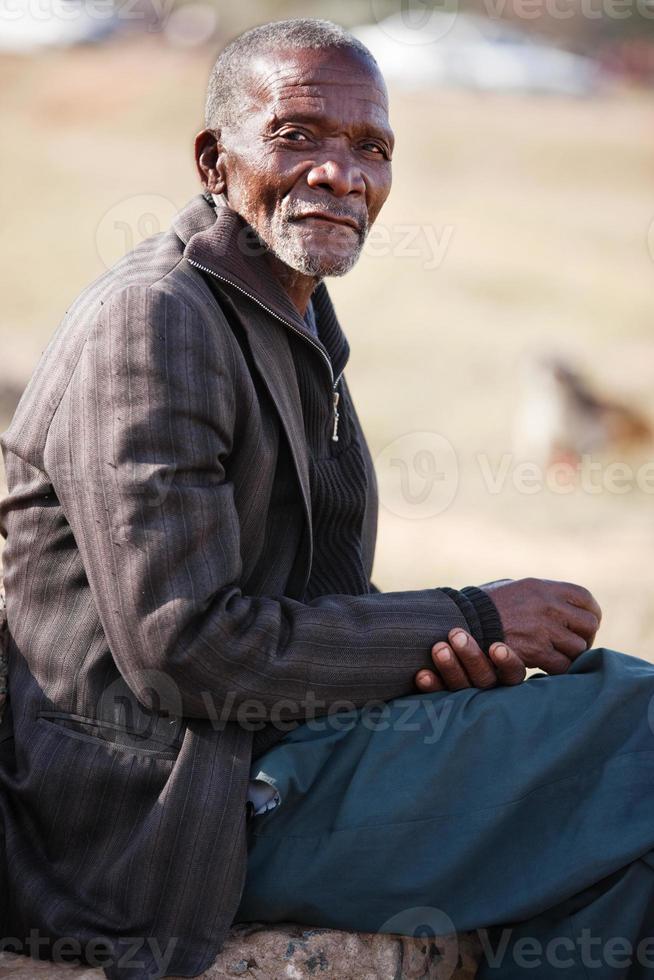 äldre afrikansk man foto