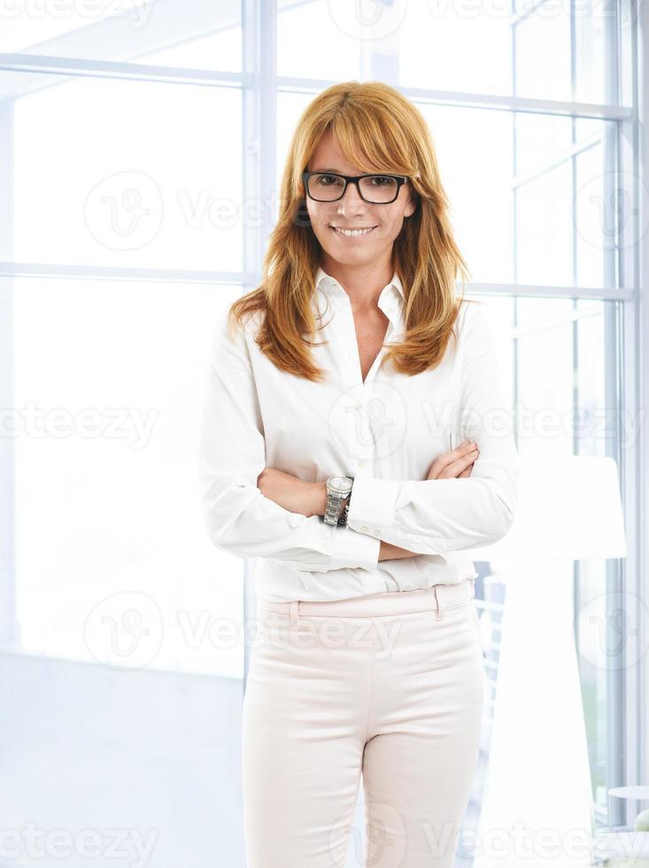 attraktiv affärskvinna foto