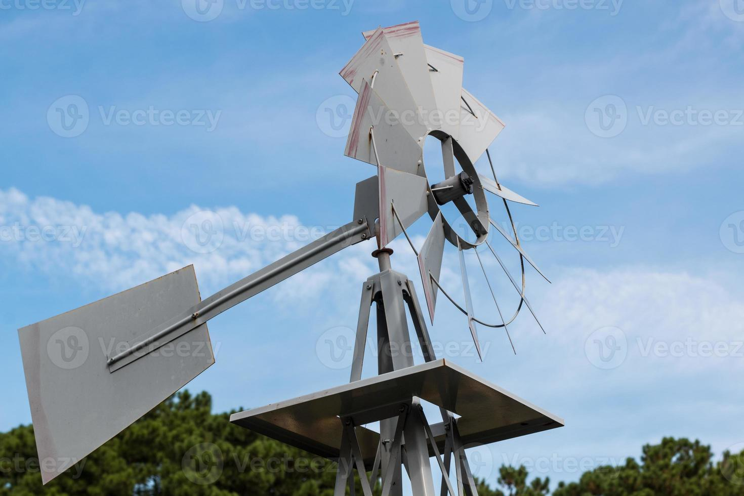 väderkvarn på nära håll foto